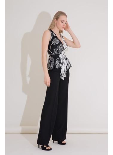 GIZIA Siyah Beyaz V Yaka Ipekli Anvelop Bluz Siyah